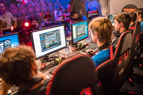 De spannende Grand Finals van de YoungCapital Dutch College League