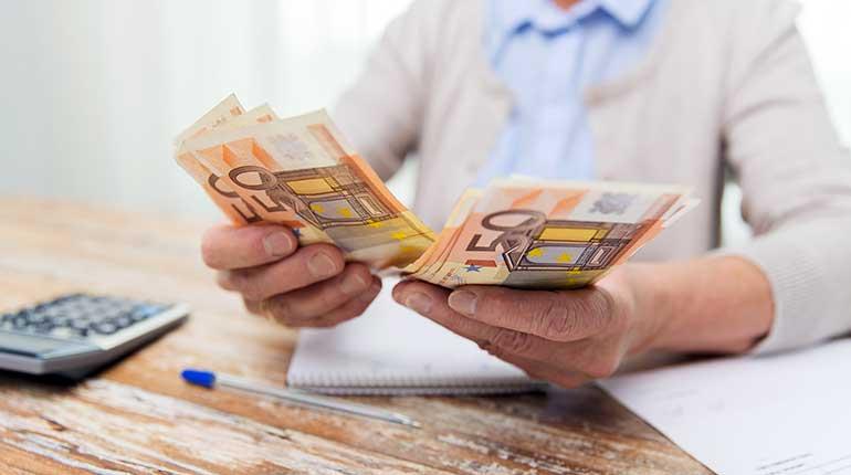 Als Rentner Mit Minijob Geld Verdienen Nebenjob Zentrale