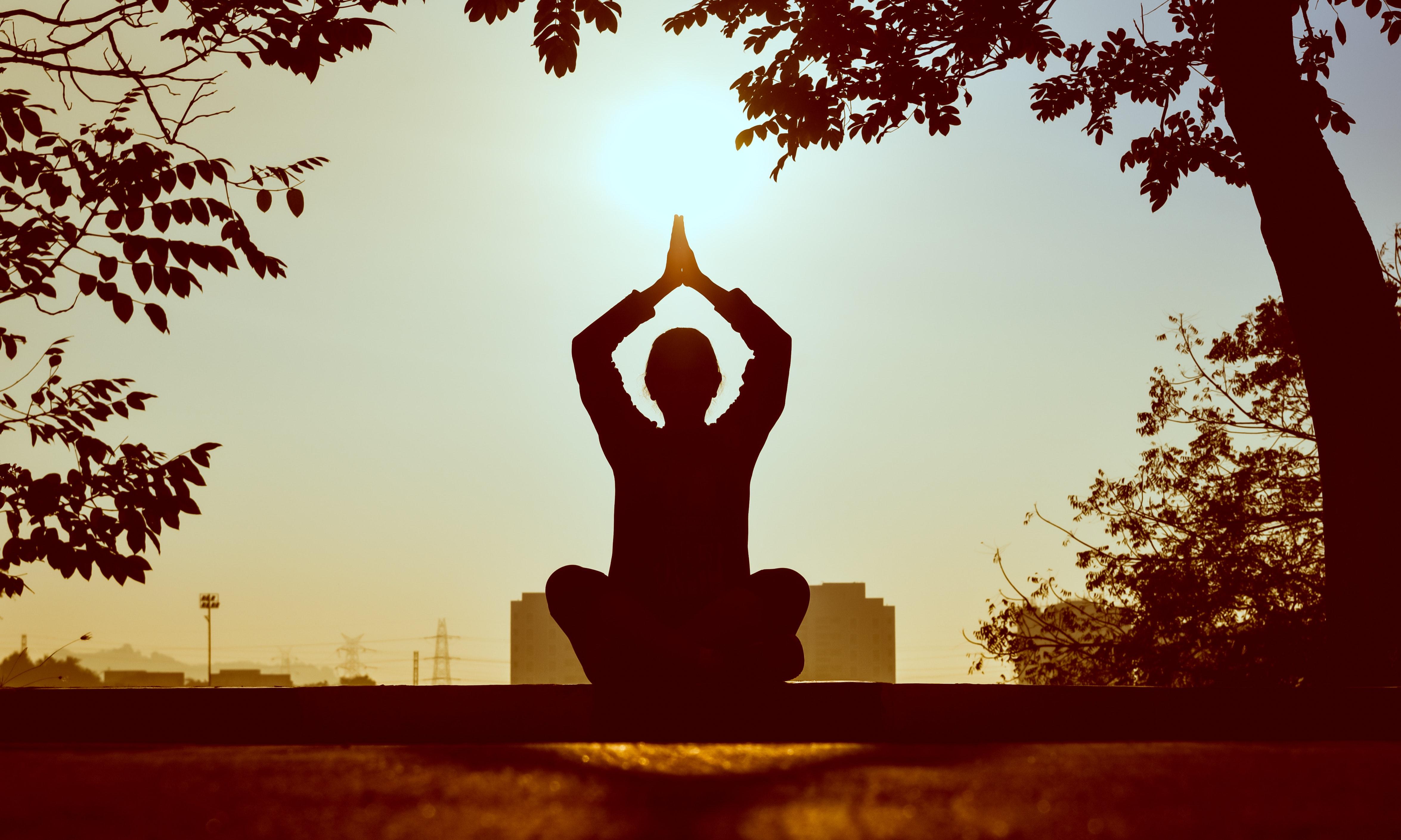 Körper, Seele und Geist in Einklang bringen mit Meditation