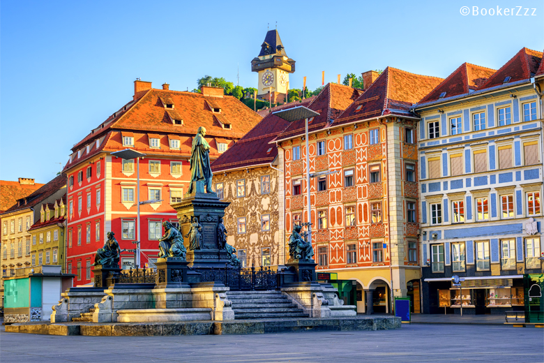 Graz mit Uhrturm