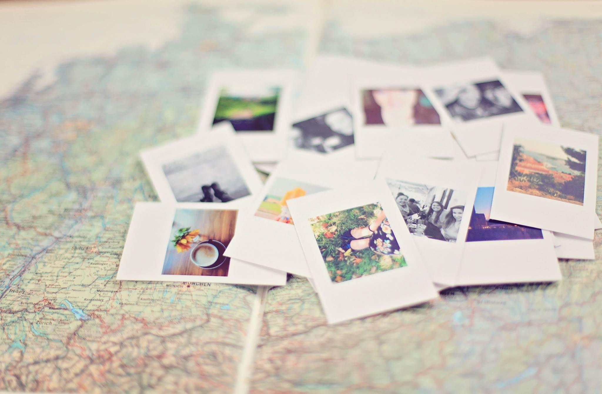 Bilder auf einem Atlas