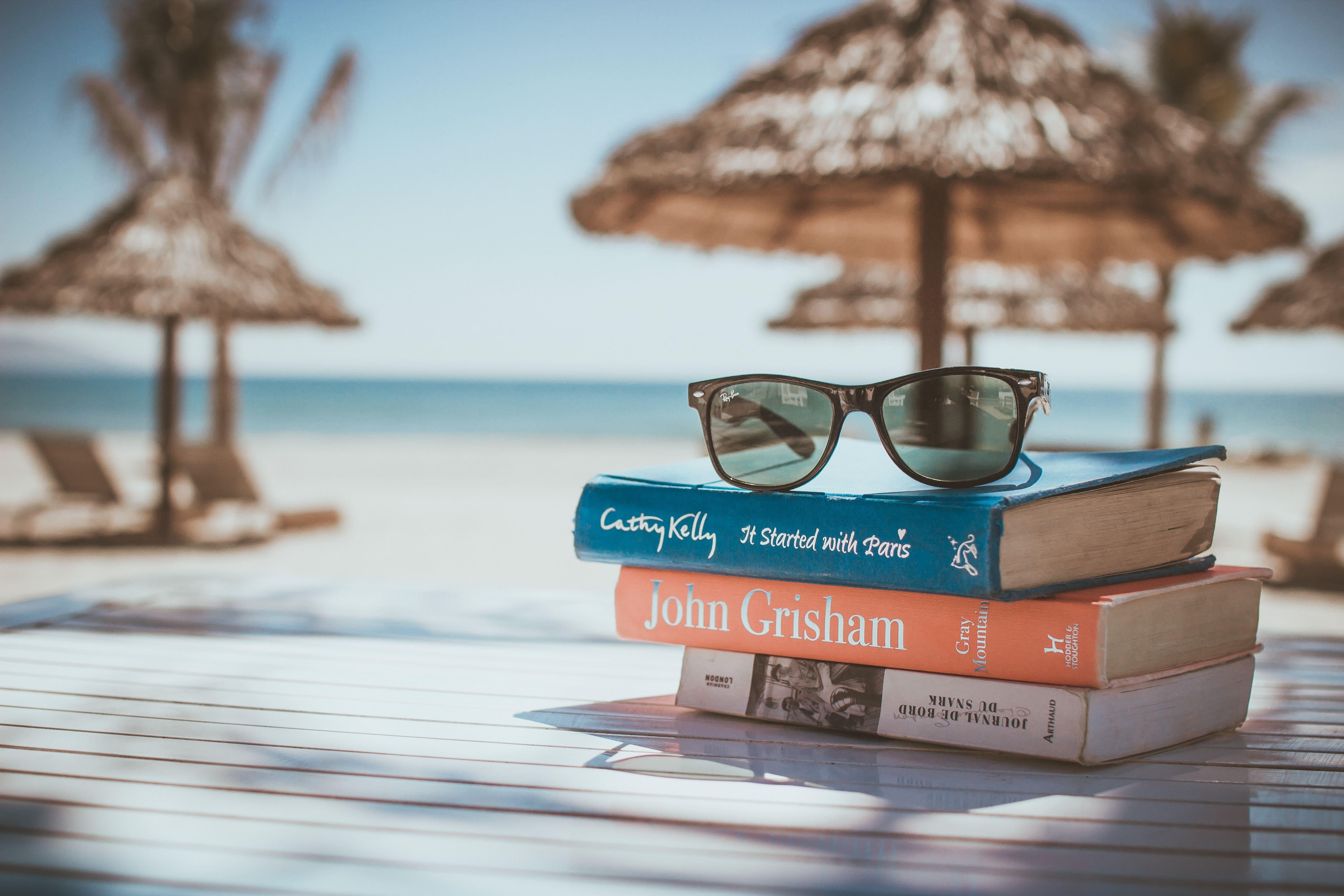 plage+livres+lunettes